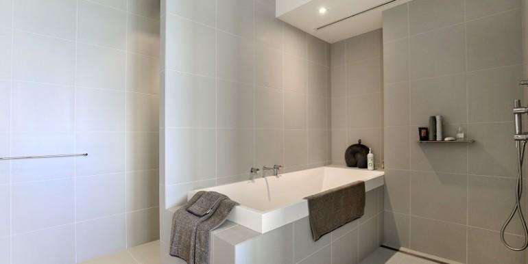 11 1802 bathroom 1
